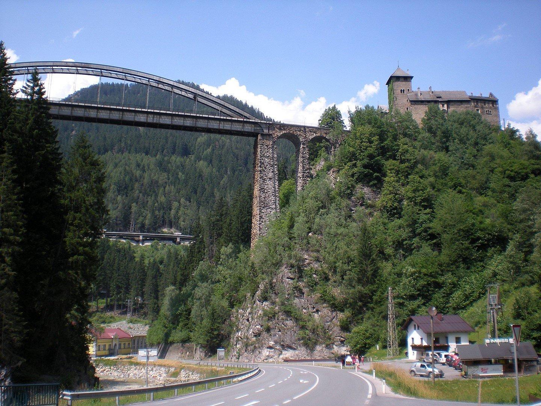 40 красивейших замков австрийского Тироля