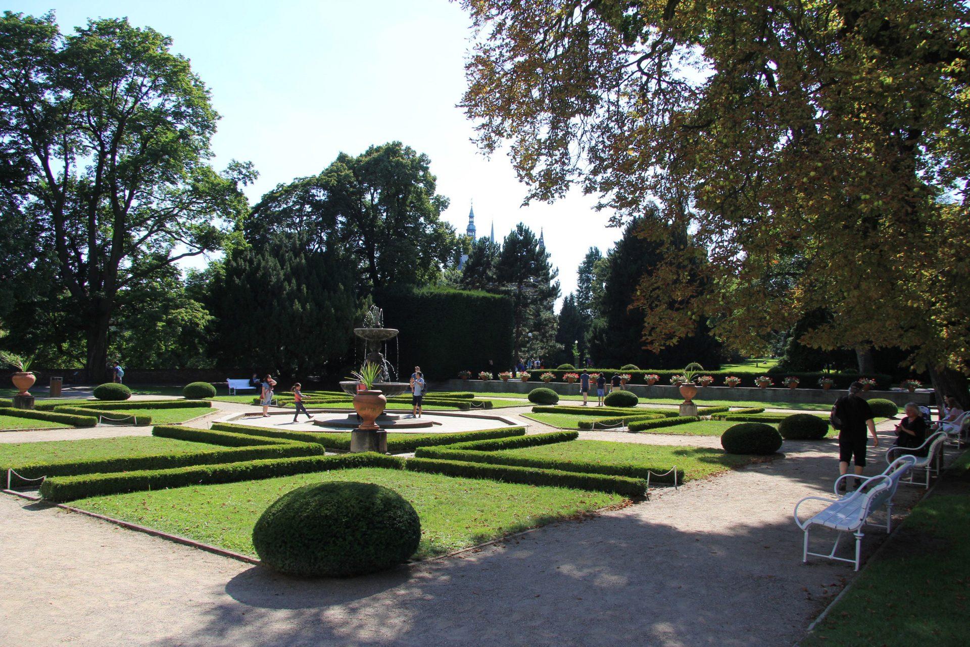 Парк при летнем дворце королевы Анны, Прага, Чехия. Август, 2018