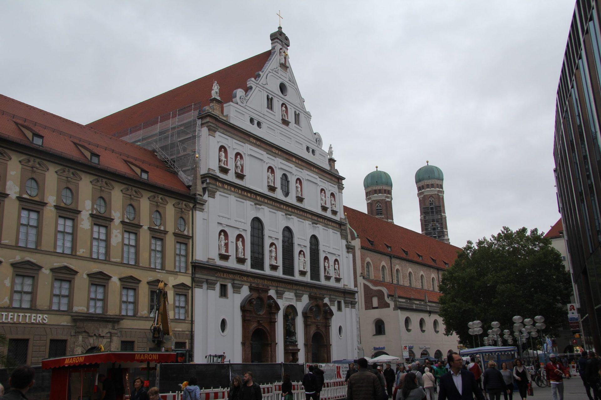 Церковь Святого Михаила, Мюнхен, Германия. Сентябрь, 2019