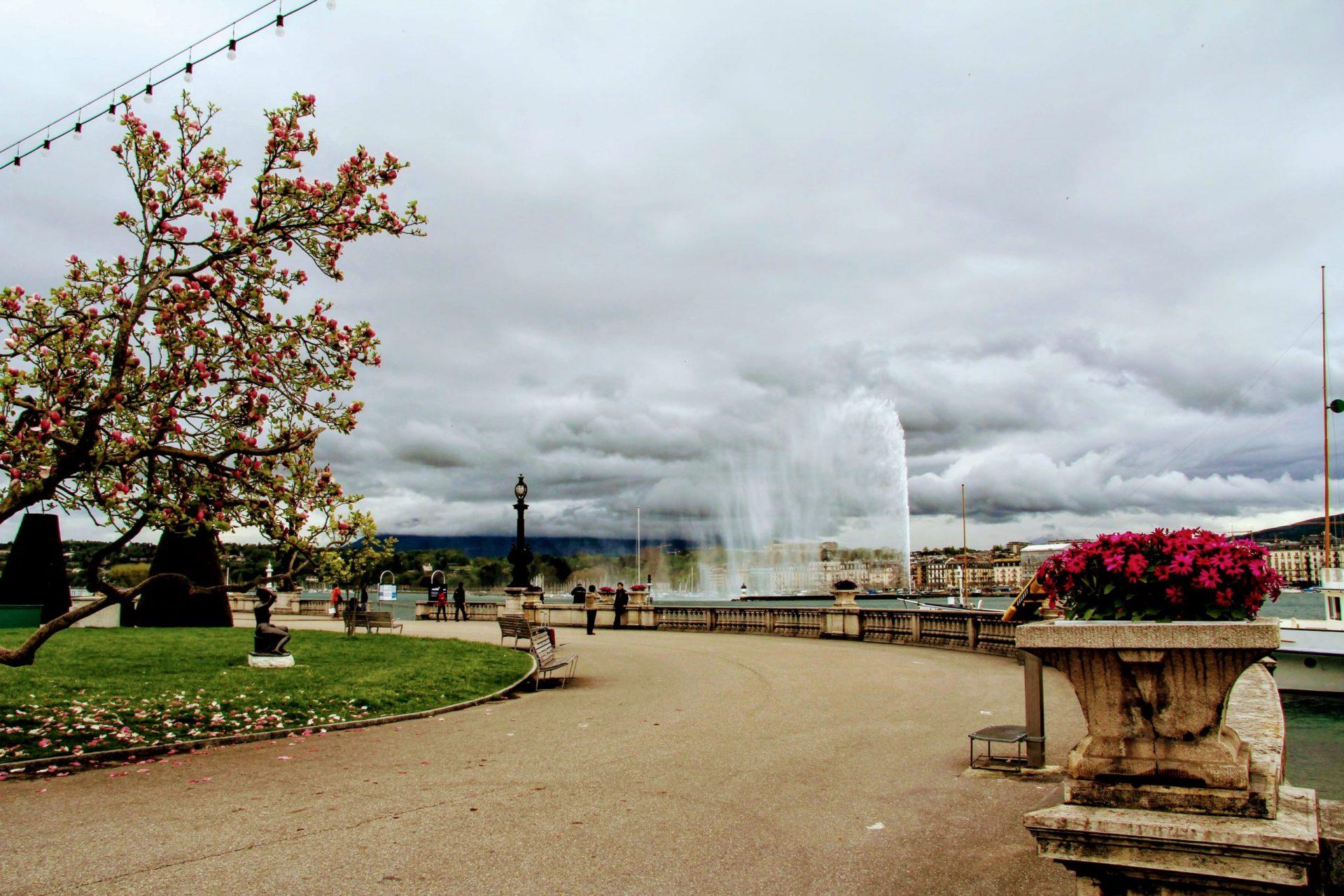 Фонтан Же-До, Женева, Швейцария. Апрель, 2013