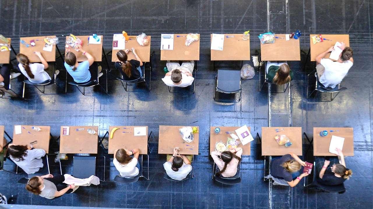 СМИ Австрии: образование родителей определяет карьеру ребёнка