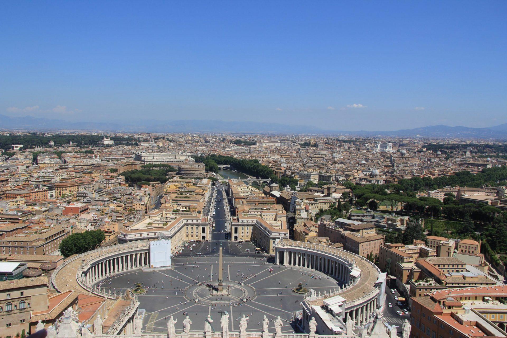 Площадь Святого Петра. Рим, Италия. Июль, 2012