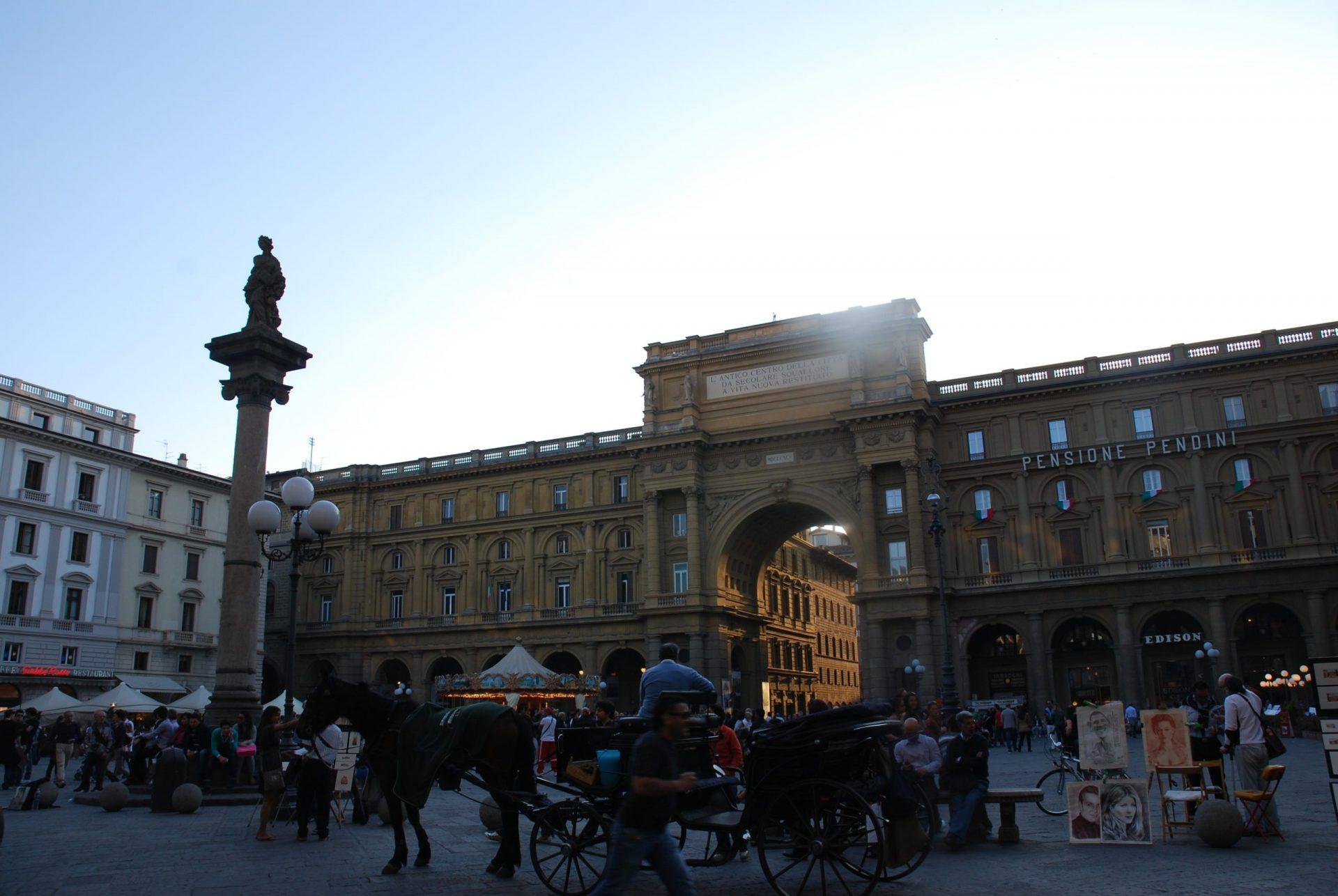 Площадь Республики, Флоренция, Италия. Июль, 2012