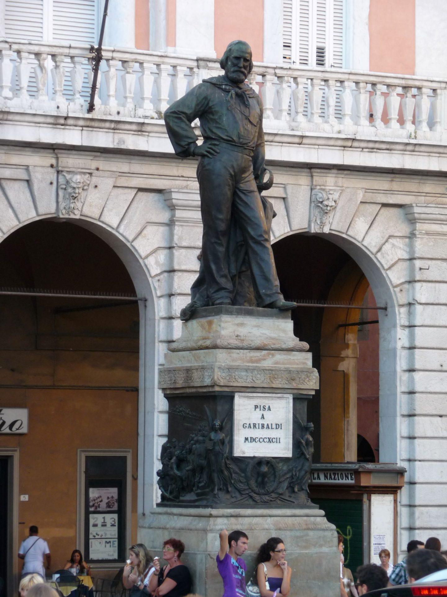 Памятник Джузеппе Гарибальди, Пиза, Италия. Июль, 2012