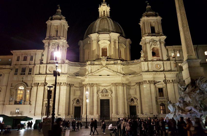 Базилика Святой Агнессы на пьяцца Навона, Рим, Италия. Январь, 2019