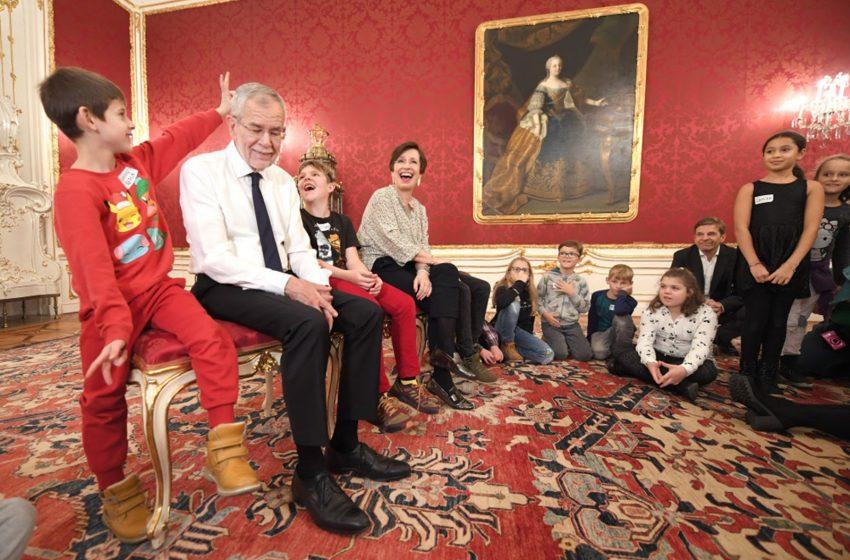 Австрия спорит. Кто даёт согласие на фото ребёнка в СМИ?