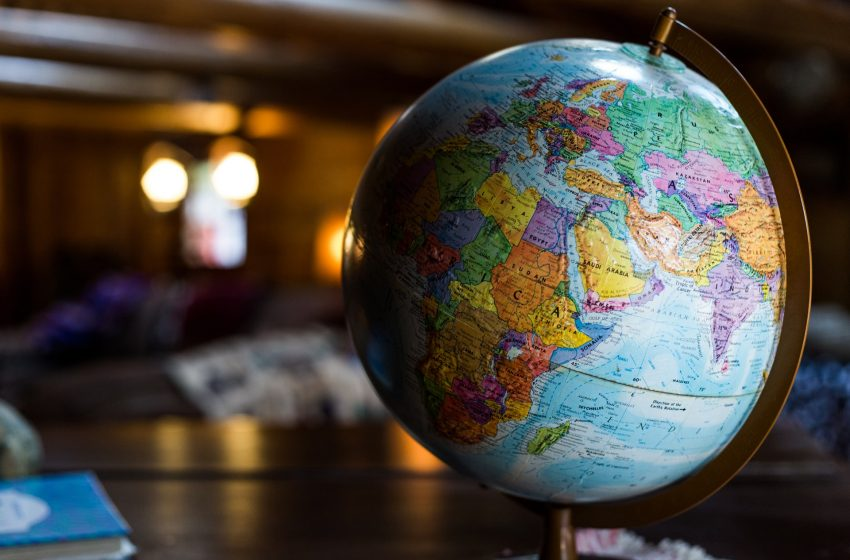 Эмиграм — 750 русскоязычных авторов-эмигрантов, проживающих в 90 странах мира